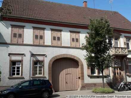 Kulturdenkmal bestehend aus Wohnhaus, Tanzsaal und Ökonomiegebäuden!