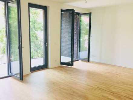Erstbezug: sonnendurchflutete 2-Zimmer-Wohnung mit Balkon in Karlshorst, Berlin