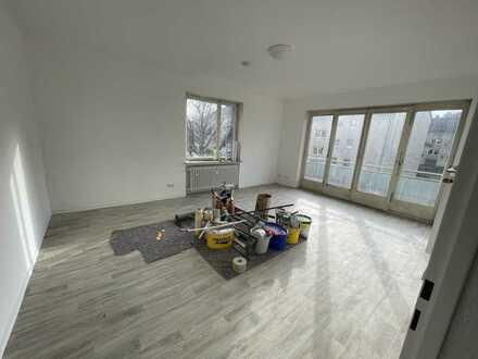 Frisch renovierte 2 Zimmer inkl neuer Küche