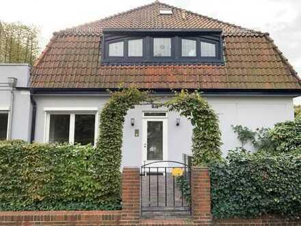 Erstbezug nach Renovierung: exklusive 2-Zimmer-EG-Wohnung mit Terrasse in Schwachhausen