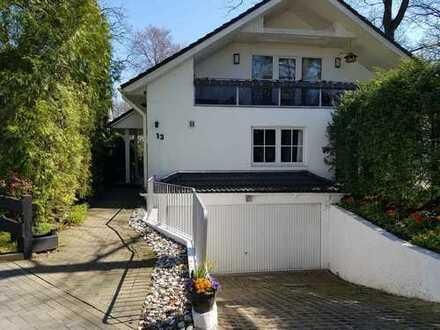 Schönes Einfamilienhaus mit Einliegerwohnung in Wellingsbüttel