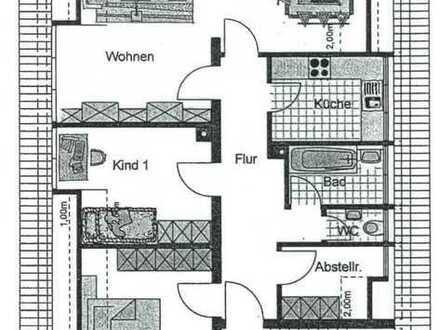 Erstbezug nach Sanierung mit EBK: Dreier-WG Dachgeschosswohnung in Crailsheim