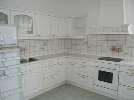 4 Zimmer-Wohnung mit Einbauküche in Klingenberg