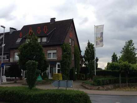 Werne-Stockum, geräumige Dachgeschosswohnung