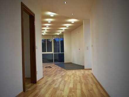 Schöne 3 Zimmer-Wohnung mit Sauna-Erstbezug in Neuhaus am Rennweg