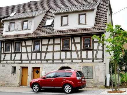 Landlust erleben am Fuße des Strombergs: Historisches Wohnhaus mit Nebengebäude + 182 m² Nutzfläche