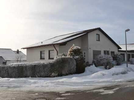 RUHE PUR! Einfamilienhaus in Ortsrandlage mit großem Ausbaupotential!