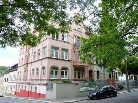 Helle, frisch renovierte 3-Zimmer-Wohnung mit Balkon und Einbauküche in Meerane