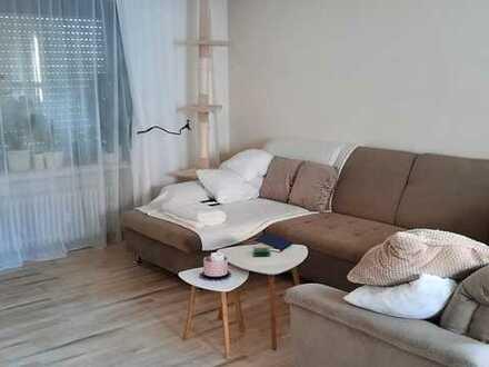 Sanierte 3-Zimmer-Hochparterre-Wohnung mit Balkon und EBK in Glattbach