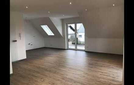 Neubau Zweitbezug 4 Zimmer Wohnung Küche Bad Balkon Garten Garage