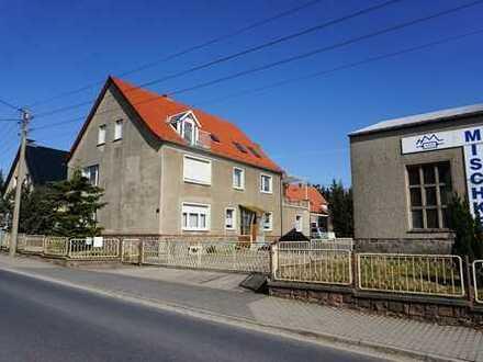 Gewerbehof mit Wohnhaus und Produktionsgebäuden zur Selbstverwirklichung