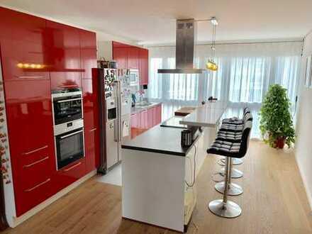 Exklusiv hochwertige 4 Zimmer Wohnung inkl. EBK