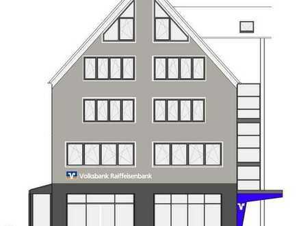 Erstbezug in großzügiger, heller Wohnung mit hohen Decken