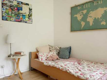 Helles, rheinnahes 3er-WG-Zimmer mit netten Mitbewohnern
