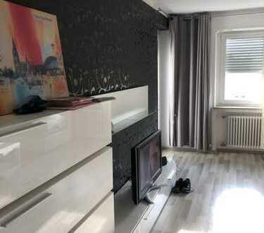 Stilvolle, gepflegte 3-Zimmer-Wohnung mit Balkon und EBK in Böblingen (Kreis)