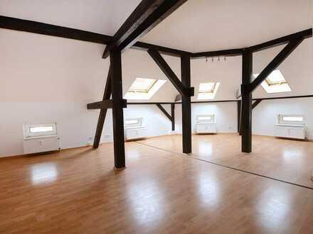 3-Zimmer im Dachgeschoss mit hohen Decken
