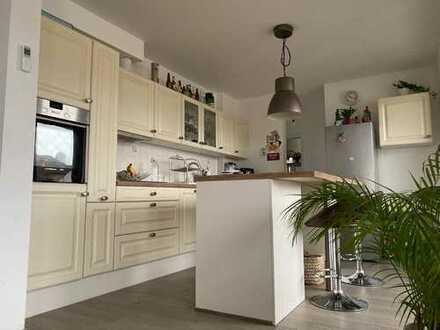 Exklusive 2-Zimmer-Wohnung mit Balkon und EBK in Offenbach am Main - Stadtmitte
