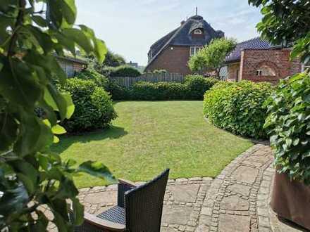 Sehr gepflegtes und großzügiges Haus mit mehreren Wohneinheiten, im Herzen von Westerland