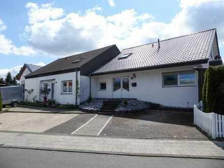 Zweifamilienhaus in der Gartenstadt Paderborn-Sennelager