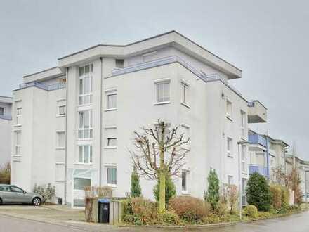 Moderne, helle DG-Wohnung mit zwei Balkone