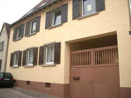 Interessante Eigentumswohnung im Erdgeschoss mit Garage und Innenhof