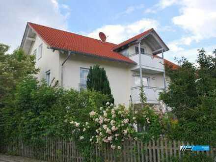 """RG Immobilien """"Modernes Wohnen"""" Großzügiges Wohnhaus mit Terrasse"""