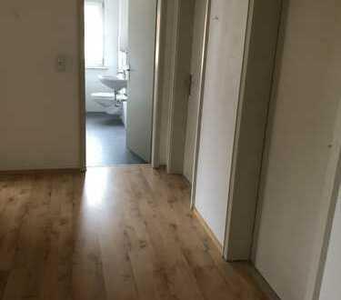 Freundliche helle 3-Zimmer-Wohnung mit Balkon in Ingolstadt