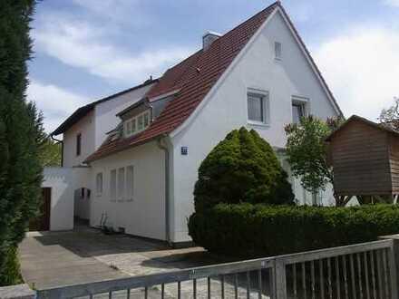 Charmante Doppelhaushälfte mit Garten in ruhiger und begehrter Lage