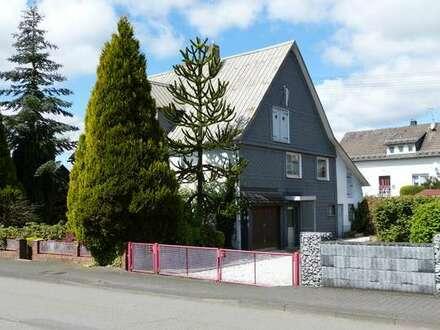 Nostalgisches Fachwerkhaus in ländlicher Idylle