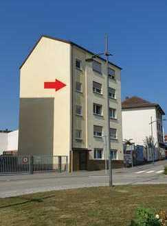 Renovierte 3-Raum-Whg., 82 m² mit Einbauküche, Pirmasens Innenstadt