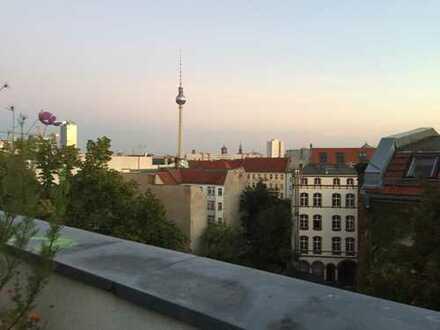 3-Zimmer-Maisonette-Wohnung mit Dachterrasse und EBK in Berlin-Mitte