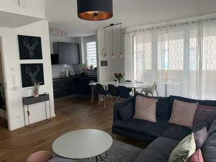 Schöne helle 4-Zimmer-Wohnung mit Bergsicht