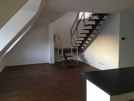 Exklusive 3-Zimmer DG Wohnung mit Galerie und Balkon in München Ost