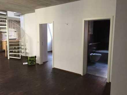 Exklusive, sanierte 3-Zimmer-Maisonette-Wohnung mit Balkon in Regensburg
