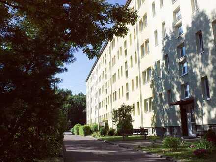 Einziehen und sparen! Balkonwohnung in Rötha OT Espenhain