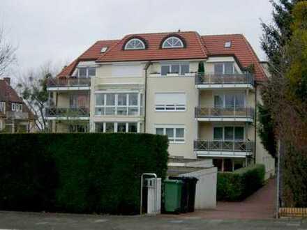 Elegante, großzügige und ruhig gelegene Eigentumswohnung in moderner Stadtvilla