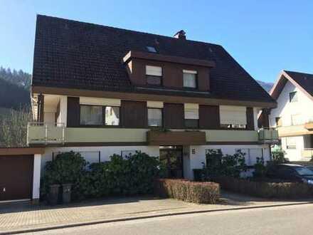 *Wohnen wo andere Urlaub machen * 2-Zimmer-DG-Wohnung in Simonswald
