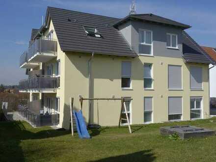 Exklusive, neuwertige 3-Zimmer-DG-Wohnung mit Balkon und Einbauküche in Friedrichshafen