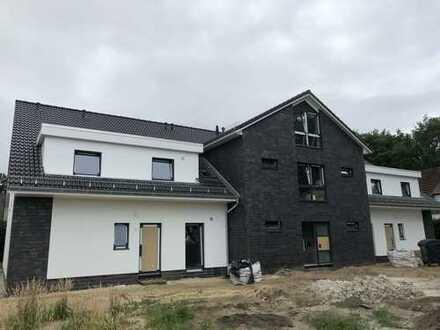 ERSTBEZUG - Schöne, geräumige drei oder vier Zimmer Wohnungen im Zentrum von Schwanewede