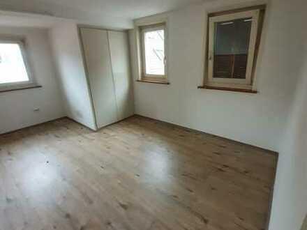 5-Zimmer Wohnung auf 2 Etagen im Zentrum von Metzingen