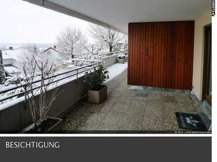 Kapitalanleger gesucht! Freundliche 4,5 Zimmerwohnung mit goßem Balkon zu verkaufen.