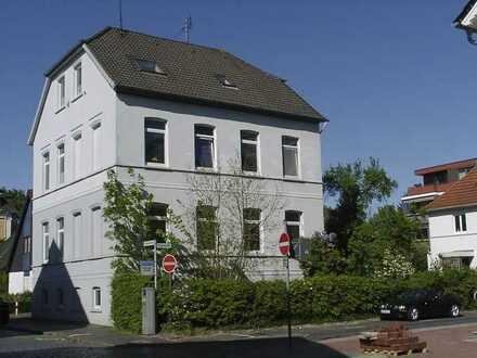 Zentral gelegene, ruhige 4-Zimmer-Altbauwohnung in Oldenburg