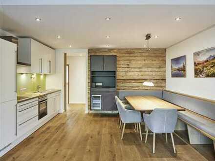 """Sehr moderne, vollmöblierte drei Zimmer Wohnung mit Balkon im """"Smart-Alpin""""-Stil"""