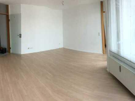 Wunderschöne renovierte 2-Zimmer-Wohnung mit Balkon und EBK in Plochingen