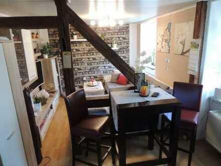 Gemütliche 2-Zi. Wohnung mit Fachwerk und EINBAUKÜCHE