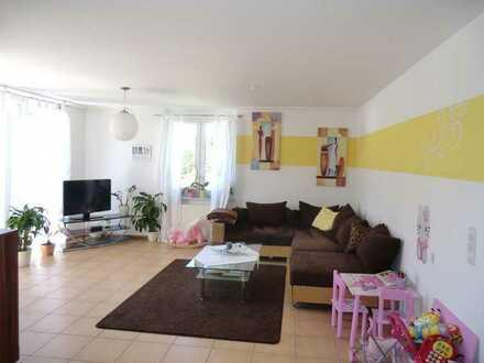 Moderne 3-Zimmer Wohnung mit großem Balkon und Garage