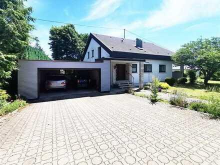 F&D | Ein- bis Zweifamilienhaus mit Doppelgarage in ruhiger Rand- & Sackgassenlage