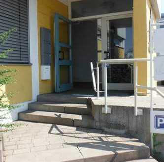 Vielseitig nutzbar! Büro,-Praxis- oder Schulungsräume in Schorndorf im Obergeschoss