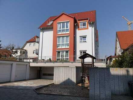 Exklusive 4,5 Zimmer Wohnung mit hochwertiger Einbauküche, Balkon, Keller und TG-Stellplatz