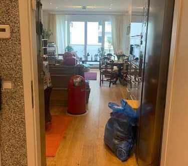 Luxus 2 Zimmerwohnung mit Balkon Pariser Straße 23 Nähe Olivaer Platz möbeliert löffelfertig